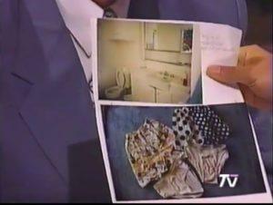 Gutierrez in TV Sendung zeigt Bilder aus seinem Buch wie offenstehende Toilettendeckel und Unterhosen