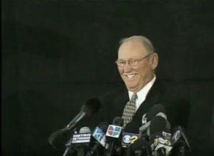 Bezirksstaatsanwalt D.A. Tom Sneddon Michael Jackson D.S. Pressekonferenz 2003.11. Arrest