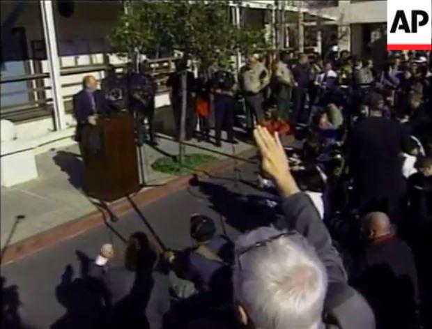 Tom Sneddon DA Michael Jackson Prozess 2005 2003