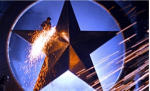 Bildausschnitt HIstory Teaser: am Stern wird geschweißt, sodass Funken entstehen.